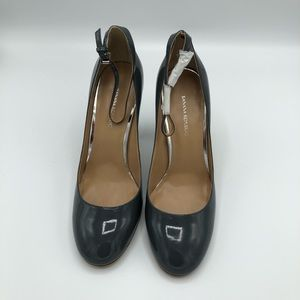 Banana Republic gray patent leather heels